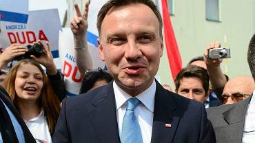 Andrzej Duda zyskał przewagę w sondażach