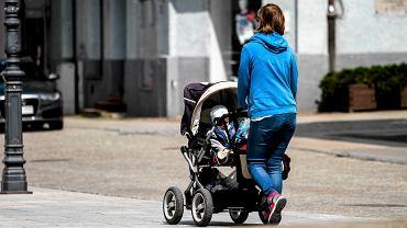 Matka z dzieckiem (zdjęcie ilustracyjne)