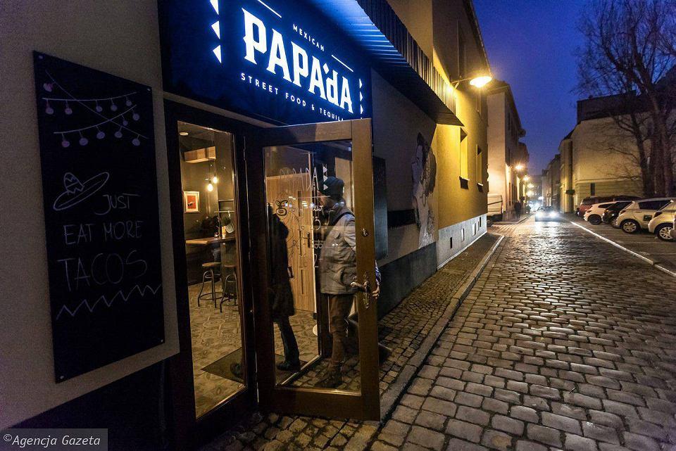 Papada Nowy Meksykański Bar W Miejscu Garażu W Sercu Opola