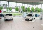 Sprzedaż nowych samochodów | Rok na plusie