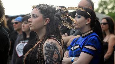 Alternatywka to określenie na dziewczynę o alternatywnych upodobaniach i zachowaniach (zdjęcie archiwalne z Castle Party Festival na zamku w Bolkowie)