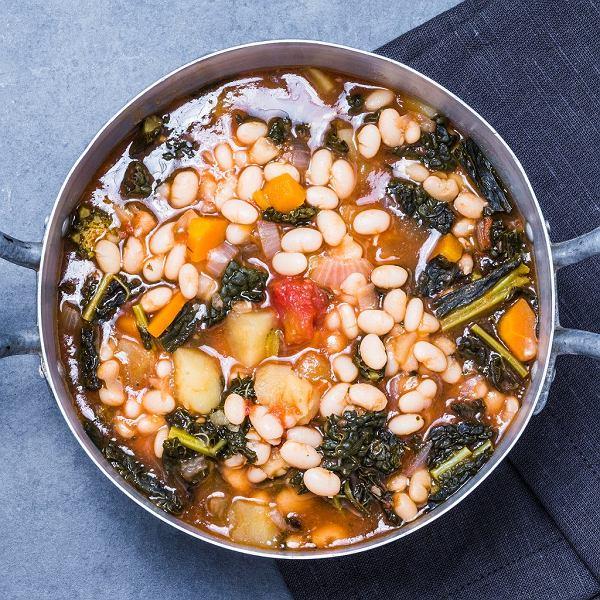 Rozgrzewające zupy na zimny początek jesieni