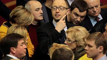 Arsenij Jaceniuk w parlamencie podczas jednej z narad