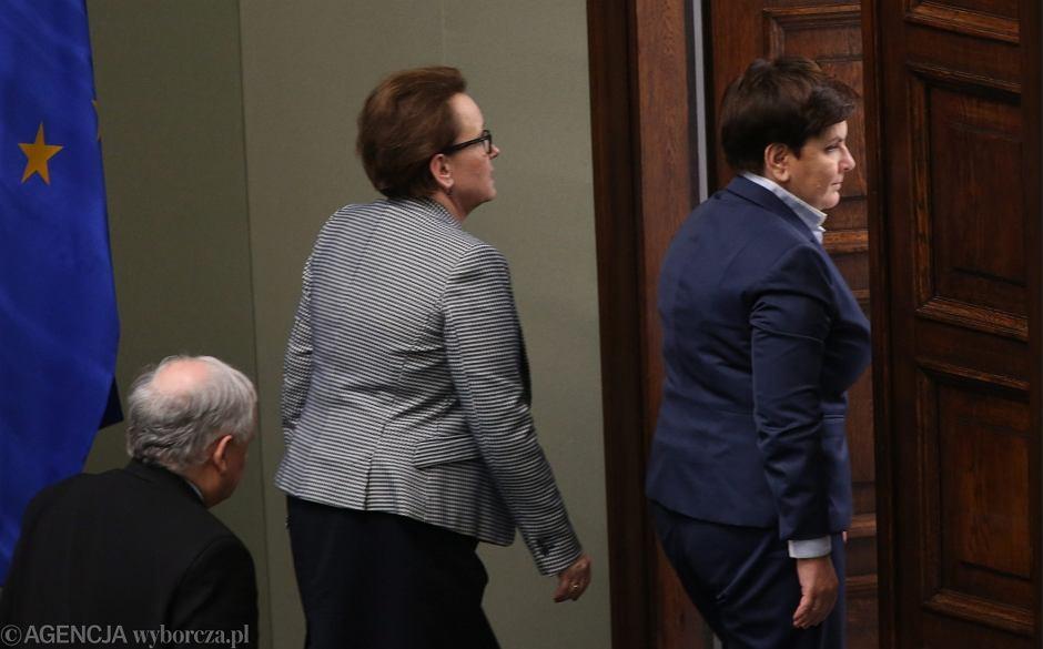 Prezes Jarosław Kaczyński, minister edukacji Anna Zalewska oraz premier Beata Szydło