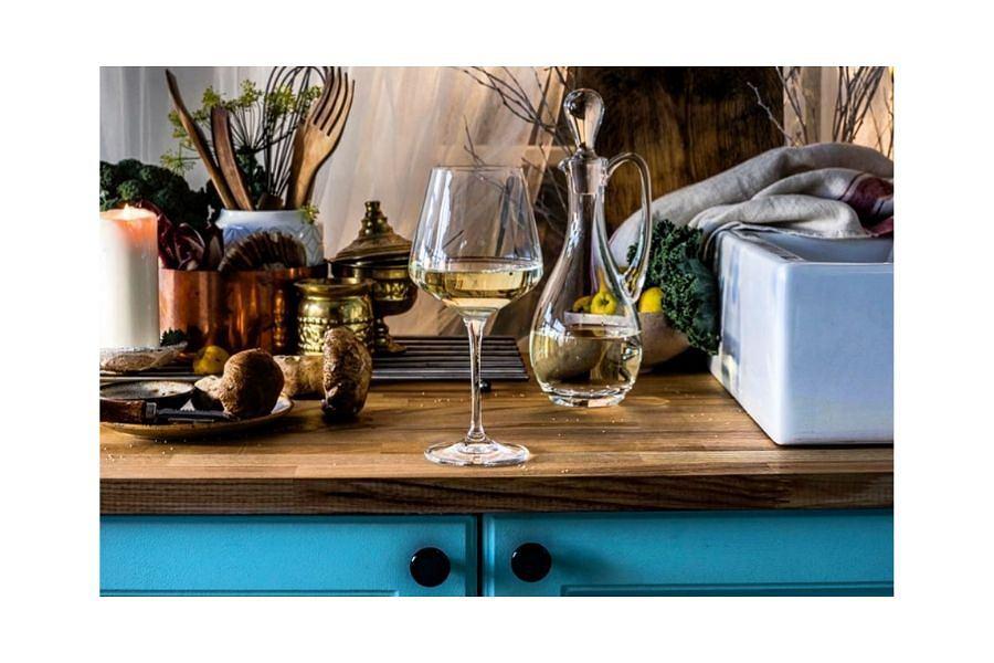 Kieliszek do wina z kolekcji KROSNO Splendour, o pojemności 860 ml