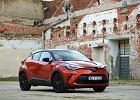 Opinie Moto.pl: Toyota C-HR 2.0 Hybrid vs. Hyundai Tucson 1.6 CRDI 48V. Oszczędne i dynamiczne