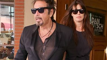 """Al Pacino należy jeszcze do tego grona gwiazd, które wolą być znane ze swoich dokonań, a nie z """"bywania"""". Rzadko można go więc spotkać na ściankach, chyba że promuje swój film. Kiedy paparazzim wyjątkowo udało się zrobić mu zdjęcia, zagraniczne media dopatrzyły się zmian w wyglądzie 76-letniego aktora."""