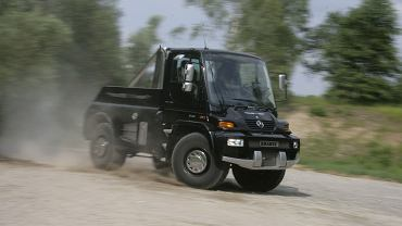 Unimog U500 Black Edition by Brabus