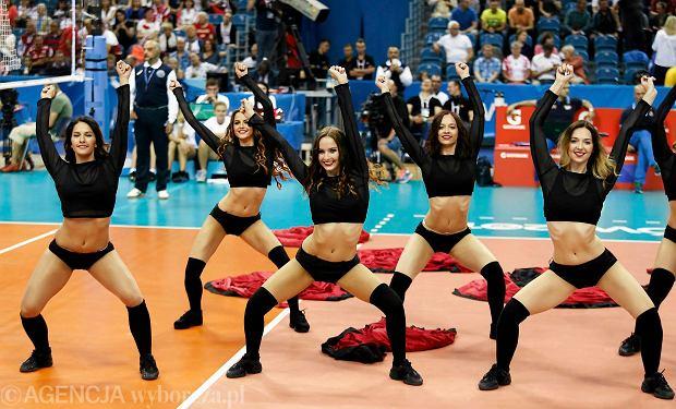 Zdjęcie numer 10 w galerii - Wszystkie przebrania cheerliderek na Ligę Światową w Tauron Arenie Kraków