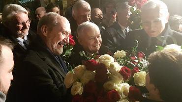 Powitanie premier Szydło po klęsce polskiej dyplomacji w Brukseli