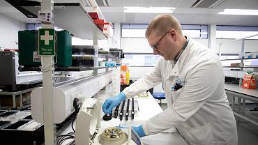 Szeroko stosowane w Chinach, a przed kilkoma dniami zarejestrowane do używania w krajach Unii Europejskiej testy na koronawirusa będą dostępne za kilka dni w Polsce