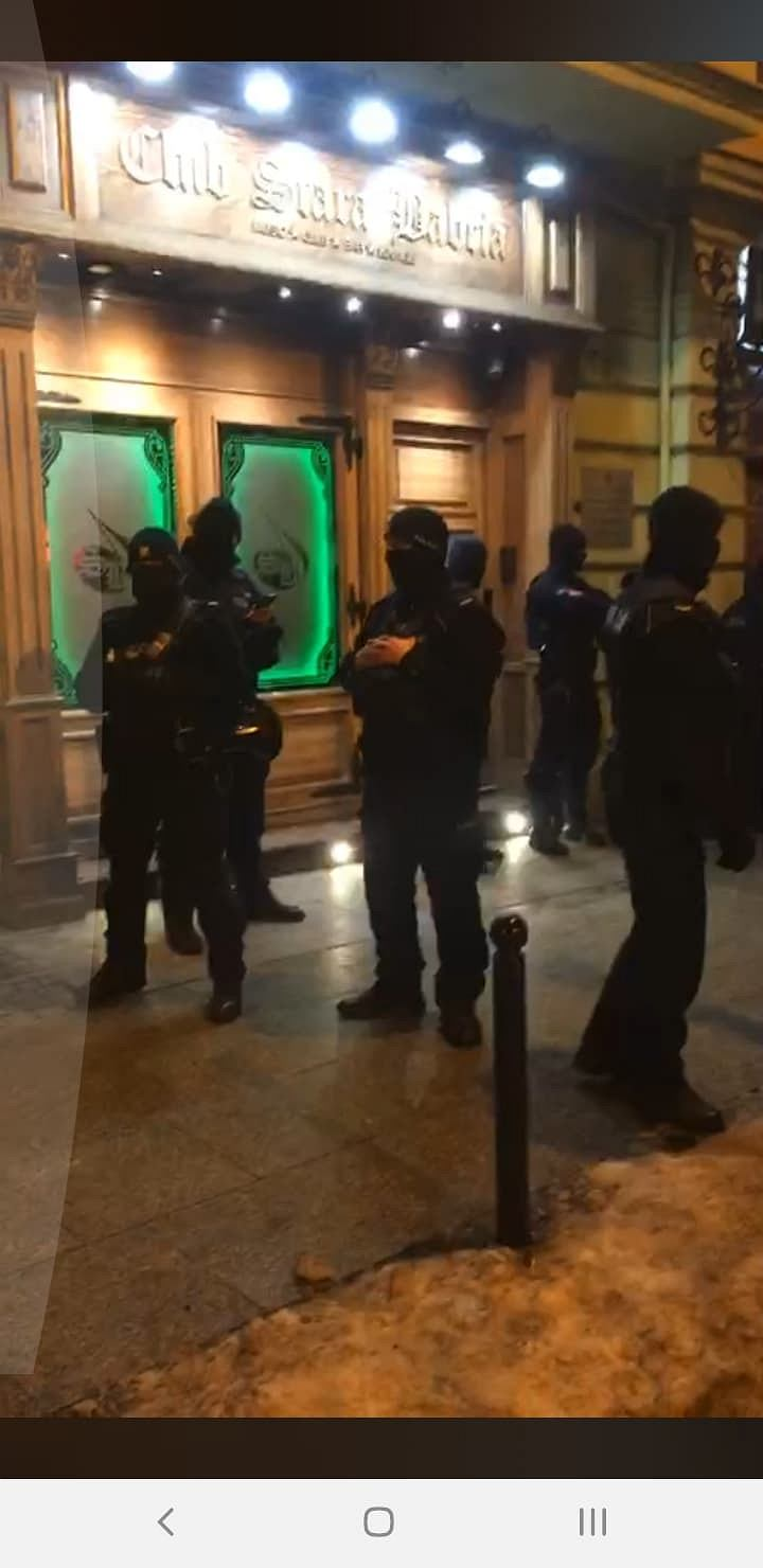 Zdjęcie numer 4 w galerii - Policja blokowała wstęp do pubu Stara Babcia.