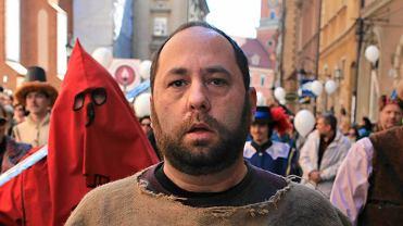 "Prof. Hartman podczas happeningu ""Marsz ateistów"""