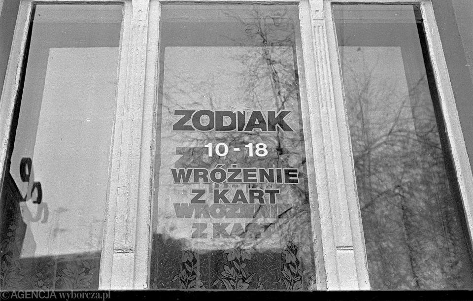1993, Katowice, Zodiak - firma wróżąca