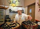 Maciej Nowak jadł w Koreanie: Sushi z parówką jako czekadełko