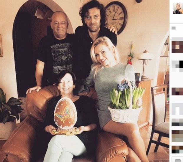 Doda, Emil Haidar i jego rodzice