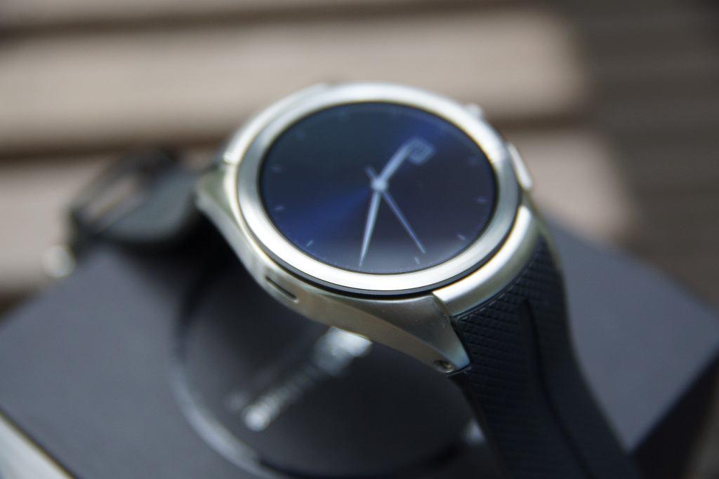 Duży zegarek o dużych możliwościach. Recenzja LG Watch Urbane 2