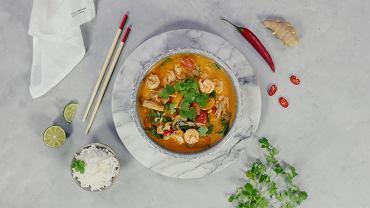Krewetki z warzywami w sosie curry