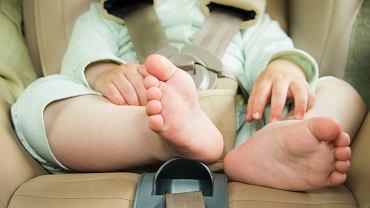 Przewóz dzieci w samochodzie? Tylko w dobrze dobranym foteliku