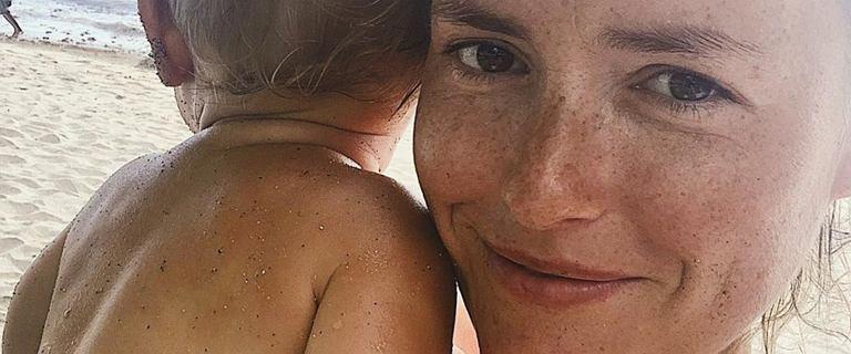 Olga Frycz zabrała roczną córkę na wakacje. Wybrała egzotyczny kierunek i dodaje mnóstwo zdjęć