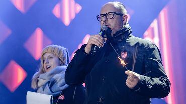 Prezydent miasta Paweł Adamowicz na scenie 27. Finału WOŚP. Kilka chwil przed atakiem nożownika Stefana W. Gdańsk, 13 stycznia 2019