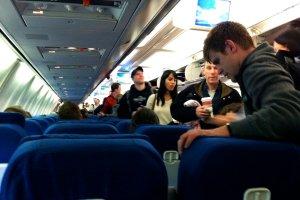 Rzeczy, które w samolocie możesz dostać za darmo [LISTA]