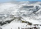 """Pierwszy od lat śnieg na """"wyspie wiecznej wiosny"""". Zdjęcia zimowego krajobrazu robią niesamowite wrażenie"""