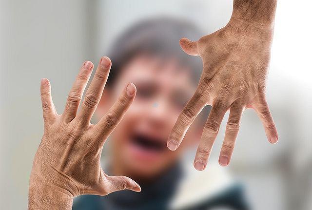 Klaps nie ma pozytywnych skutków (zdjęcie ilustracyjne)