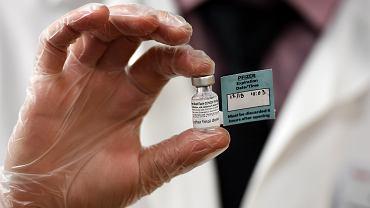 Szczepionka na koronawirusa (zdjęcie ilustracyjne)
