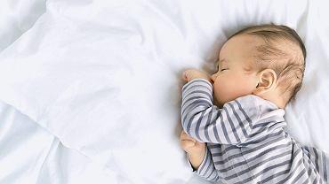 Co zrobić, żeby niemowlę dobrze spało?