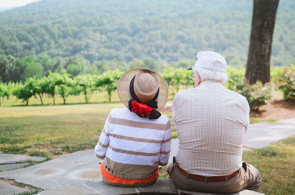 Dzień Babci i Dziadka 2021. Kiedy wypadają? Jak obchodzimy te święta?