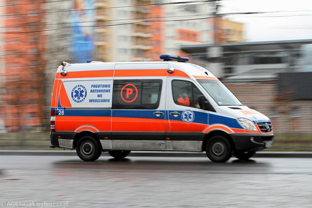 Podkarpacie. Zakrwawiona 13-latka ledwo doczołgała się do domu. Została uderzona kamieniem (zdj. ilustracyjne)