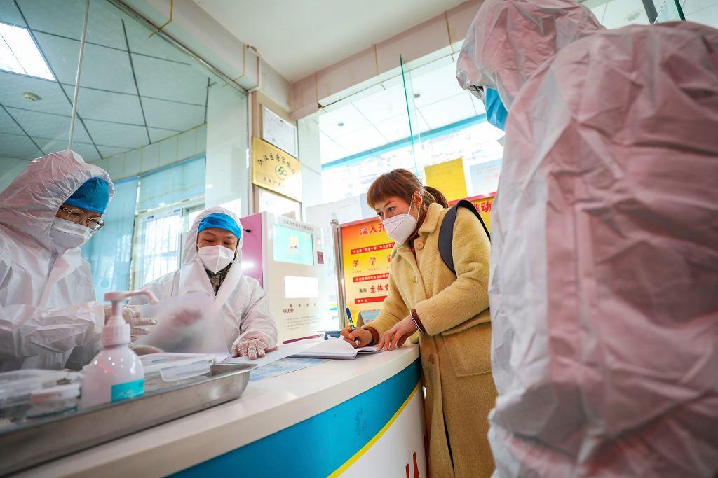 Stacja medyczna w Wuhan