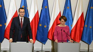 Premier Mateusz Morawiecki i minister przedsiębiorczości i technologii Jadwiga Emilewicz