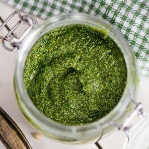 Pesto z rzeżuchy - idealne do pieczywa lub jako dressing do sałatak