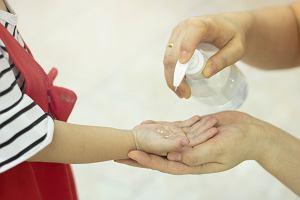 Koronawirus. Żele antybakteryjne do rąk przydadzą się, gdy nie mamy dostępu do mydła i wody