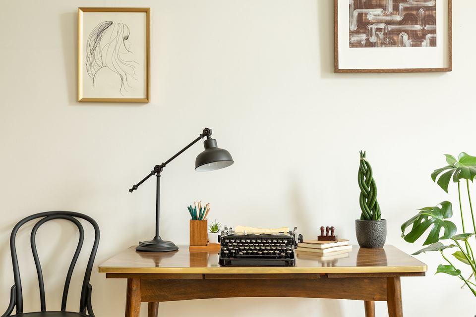 Projektanci mebli, mistrzowie formy i materiału już pół wieku temu udowodnili jak nowoczesny był polski design.