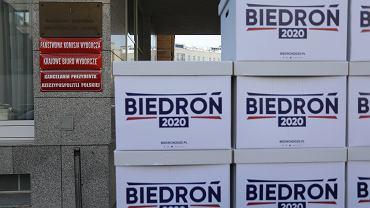 Podpisy Roberta Biedronia