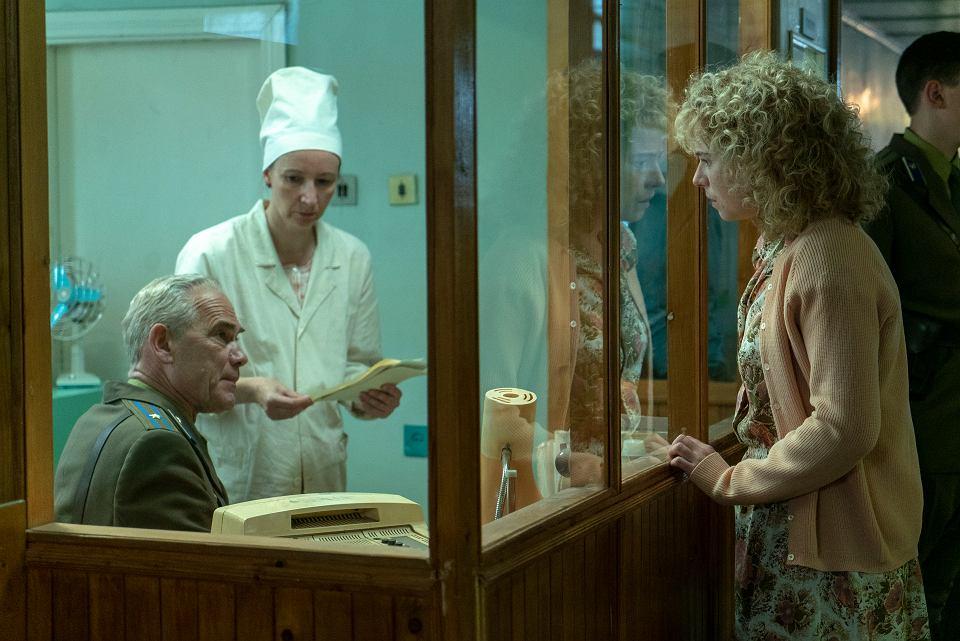 Serial Czarnobyl.  Jessie Buckley, która wcieliła się w rolę Ludmiły Ignatienko - żony strażaka, napromieniowanego podczas gaszenia elektrowni