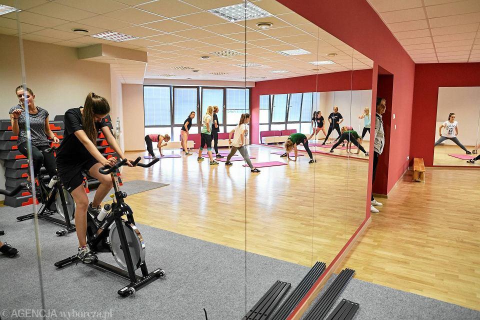 Zdjęcie numer 7 w galerii - VI LO w Gdyni ma wreszcie porządną salę gimnastyczną [ZDJĘCIA]