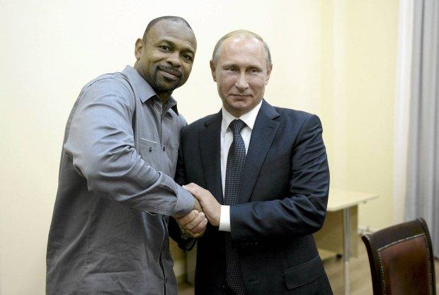 Roy Jones Jr. otrzymał od Władimira Putina rosyjskie obywatelstwo