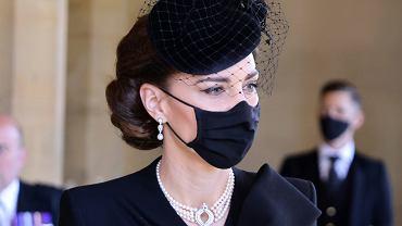 Księżna Kate na pogrzebie księcia Filipa. Królowa Elżbieta podarowała jej specjalny dodatek