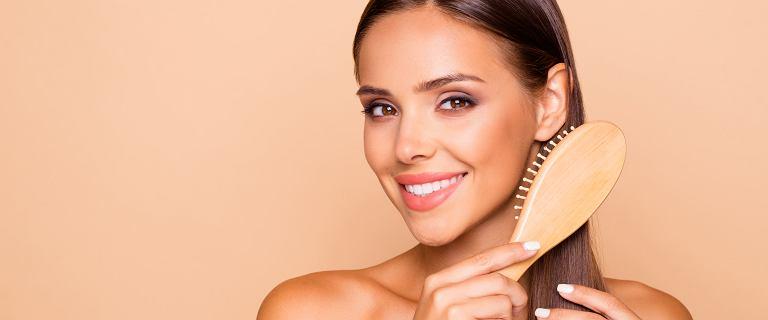 Jak mieć piękne i zdrowe włosy latem? Pielęgnacja kosmetykami L`biotica