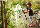 Dzieci wcale nie chcą all inclusive. Od drogich wakacji wolą ogródek dziadków (albo to, żebyś wreszcie poświęcił im czas)