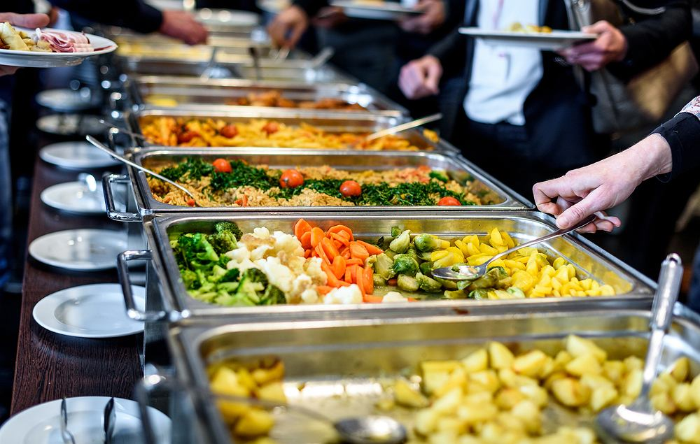 Węgry. Kontrowersyjny system w restauracji. Zaszczepieni i niezaszczepieni dostawali inne tace // ZDJĘCIE ILUSTRACYJNE