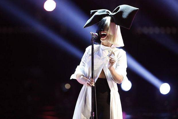 """Sia nagrała piosenkę do filmu dokumentalnego pod tytułem """"The Eagle Huntress"""". Czy będzie to kolejny hit, australijskiej wokalistki?"""