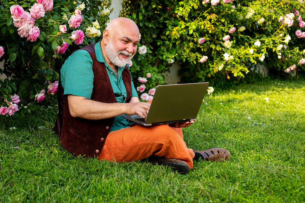 W Internecie łatwo znaleźć wszystkie niezbędne akcesoria ogrodowe.