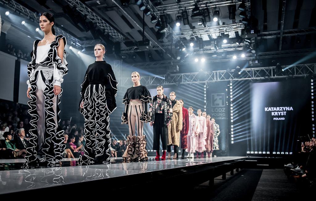 Pokaz Kas Kryst podczas Łódź Young Fashion / Joanna Miklaszewska-Sierakowska