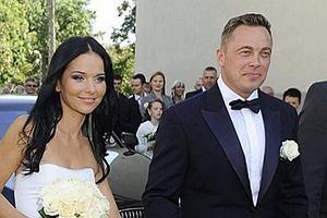 Paulina Sykut i Piotr Jeżyna dziś powiedzieli sobie tak. Na ceremonii zjawili się rodzina i przyjaciele. To był piękny, skromny ale bardzo wytworny ślub.