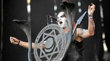 Nergal podczas koncertu Behemota w Warszawie w czerwcu 2010 r.